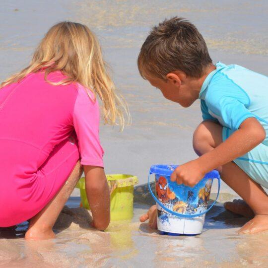 1-bambini-spiaggia-1553251422