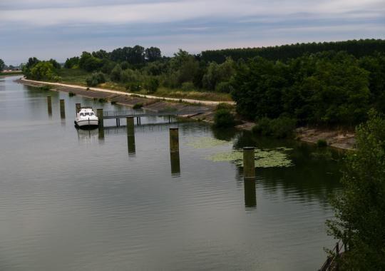 1-houseboat-verso-mantova-1496906461