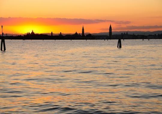 1-tramonto-laguna-di-venezia-1496828268